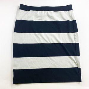 Elle   Skirt   size Medium